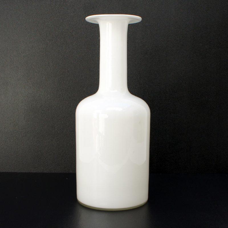 Botella de cristal Holmegaard diseño de Otto Brauer