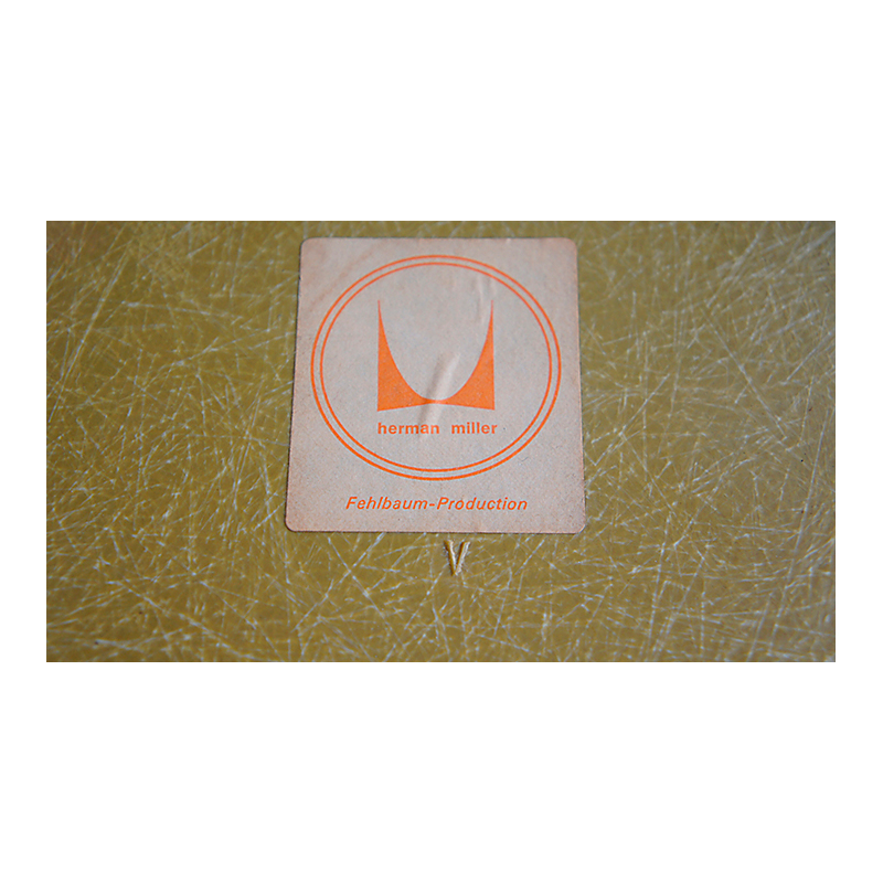 Silla LAR diseño Eames para Herman Miller