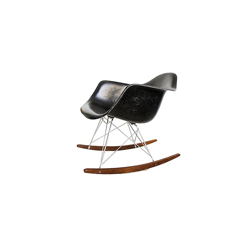Silla herman miller rocking chair negra by eames nitelshop for Silla herman miller