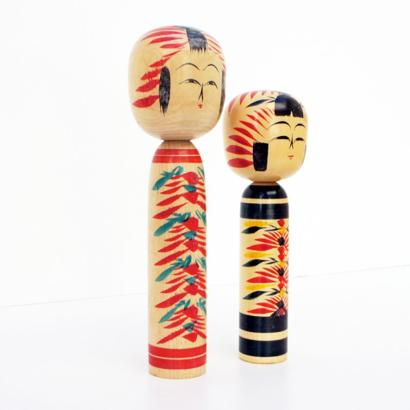 Pareja de muñecas kokeshi vintage