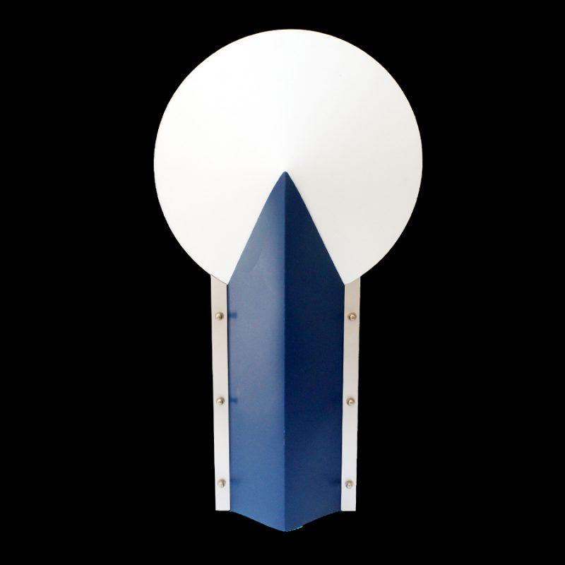 Lámpara Moon azul editada por Slamp