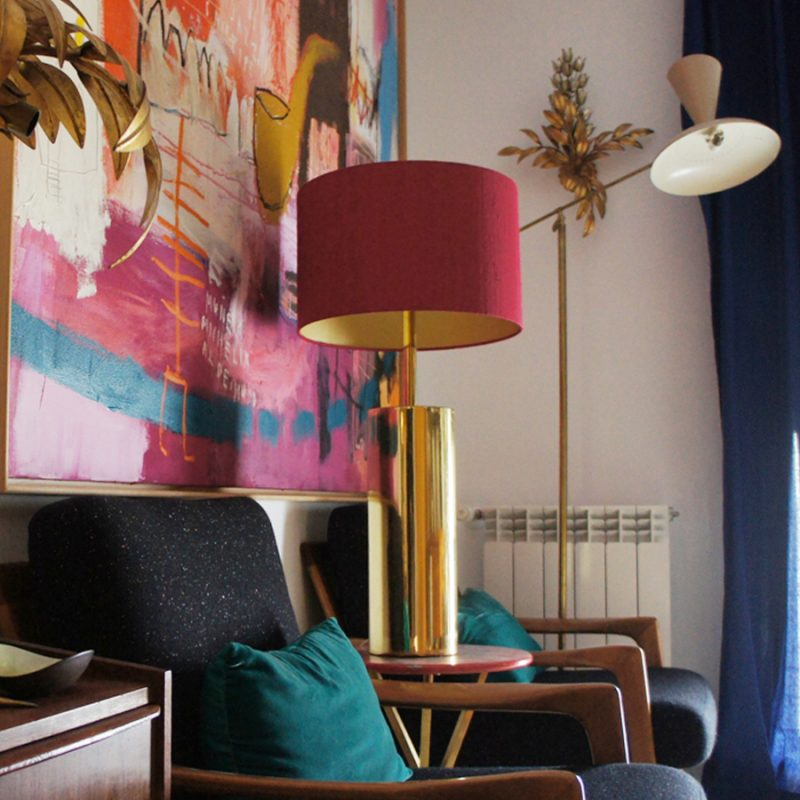 Lámpara de mesa francesa dorada años 70s