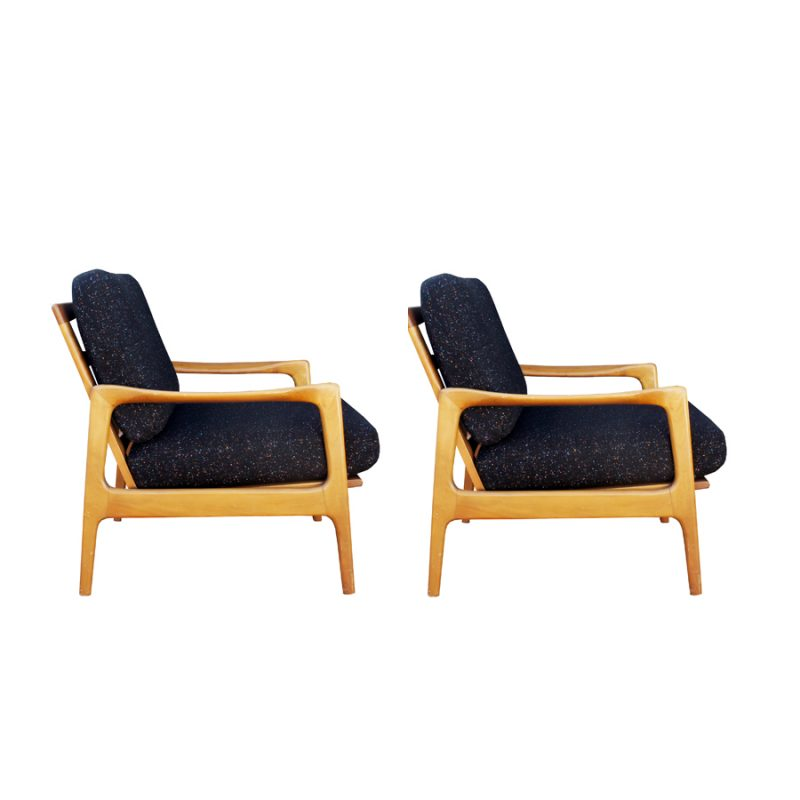 Pareja sillones Knoll tapizados con tela kvadrat