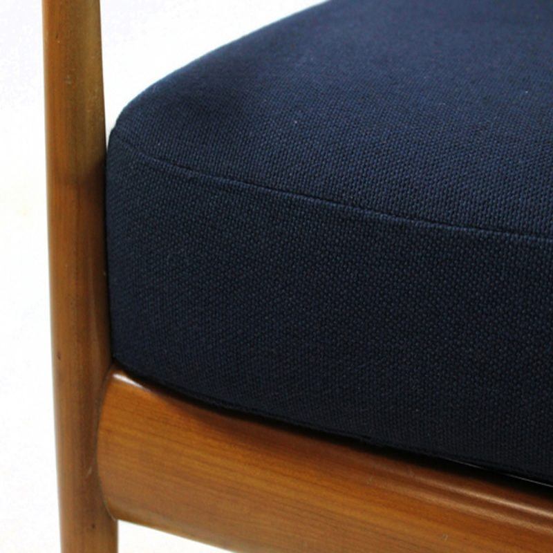 Sillón Knoll Antimott tapizado en azul marino
