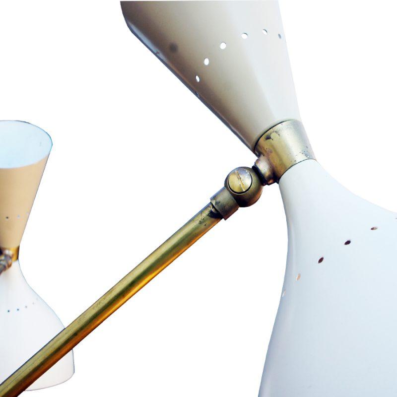 Lámpara italiana de suelo triennale