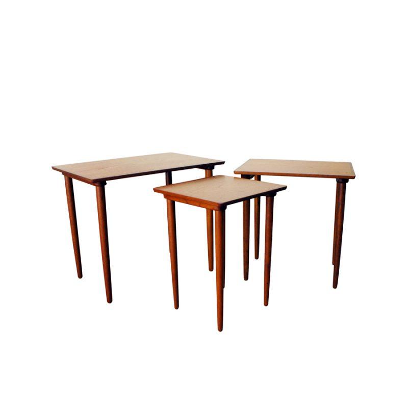 Juego de mesas nido Bramin diseño H.W. Klein
